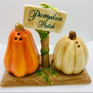 Ceramic Pumpkin Patch Salt & Pepper Shakers Leaves